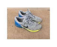 Nike Men's Running Shoes -- Low Price!