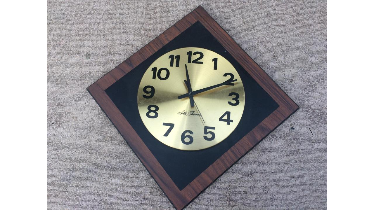 Wall Clock -- Mid-Century Seth Thomas, Nice!