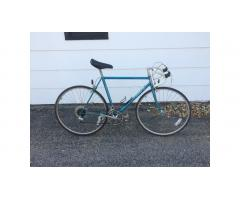 Raleigh Aluminum Road Bike -- Great Bike!
