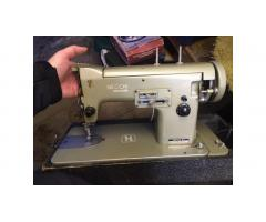 Necchi Miranda Sewing Machine -- Vintage, Working!