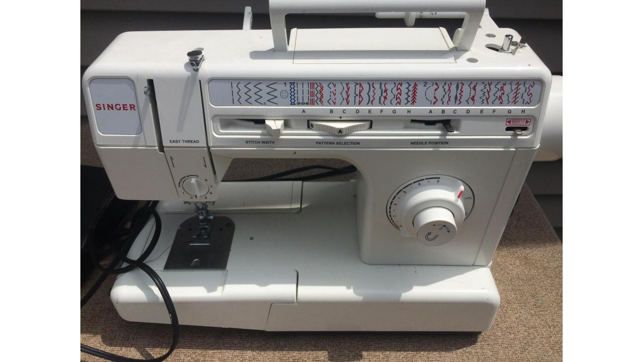 Singer Sewing Machine -- Good Machine, Great Price! Saint ...