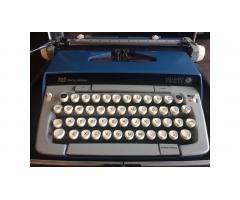 Vintage Typewriter -- Smith Corona Galaxie Twelve