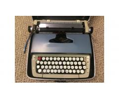 Vintage Typewriter -- Smith Corona Galaxie Two