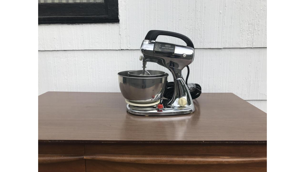 Vintage Hamilton Beach Scoville Mixer -- Beautiful Mixer!