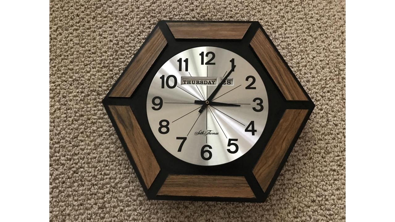 Seth Thomas Wall Clock -- Mid-Century, Low Price!
