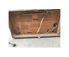 Grundig Tube Radio -- Wonderful Sound, Needs Work