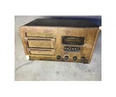 Vintage Tube Radio - Airline 04BR-720A