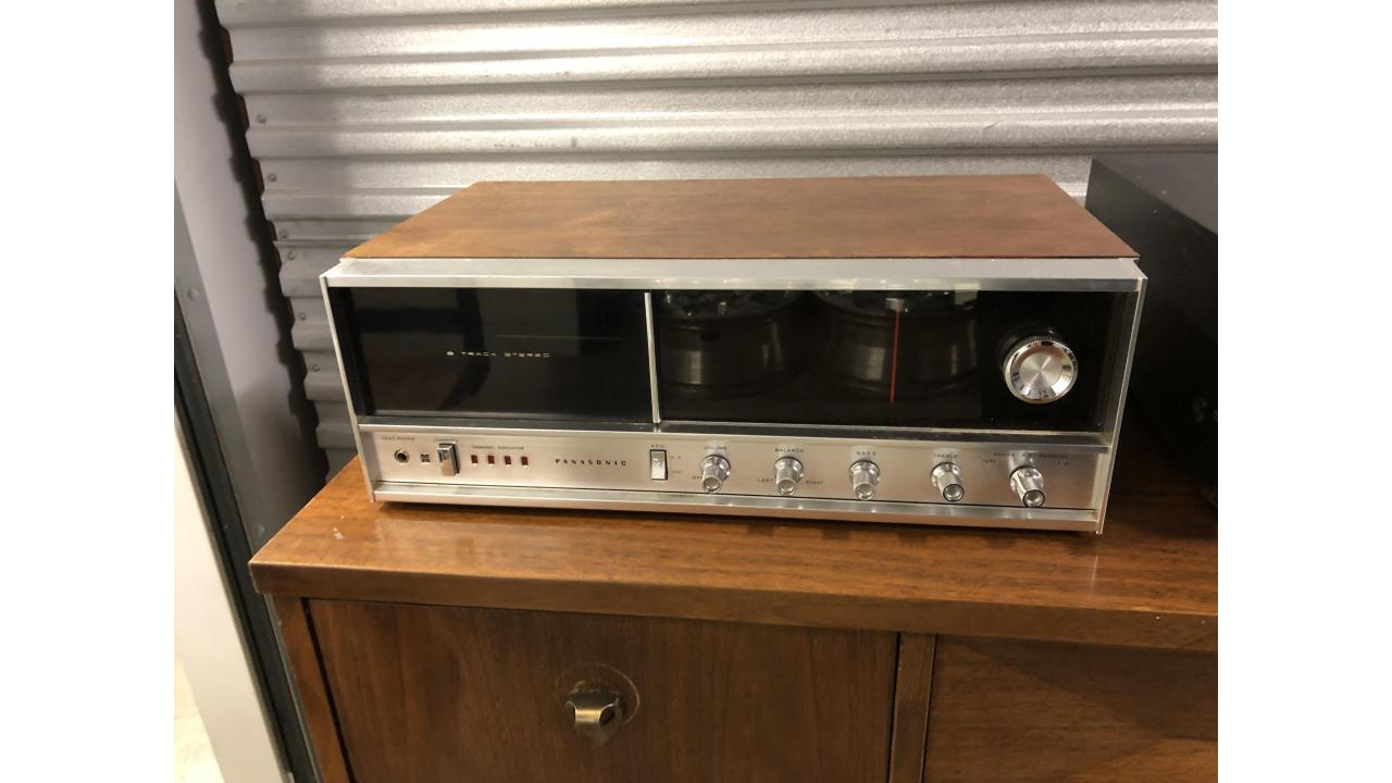 Vintage Panasonic RE-7070 Stereo Receiver -- Nice Unit!