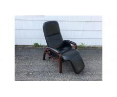 Nepsco Zero Gravity Backsaver Chair Bentwood Leather