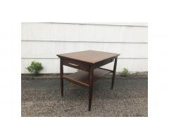 Mid-Century Modern End Table -- Handsome Piece!